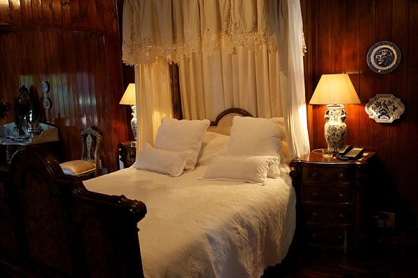 Helena-Bedroom-Illyira-House